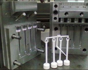 تولید قطعات پلاستیک تا وزن یک و نیم کیلو گرم