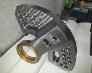 طراح و سازنده قطعات دقیق صنعتی با دستگاههای CNC برای مصارف خاص