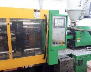 خدمات تزریق پلاستیک انواع مواد صنعتی و نیمه صنعتی
